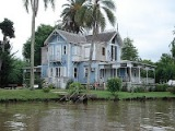 Tigre Delta: Film Location with water, haunted houses and mansions