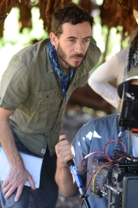 Director Pablo Fendrik behind the camera.