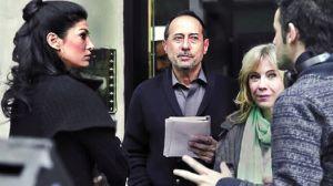 Daniel Burman (right) directs leads Guillermo Francella and Inés Estevez (center).