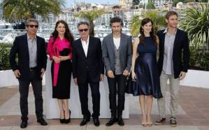Wild Tales cast, from left to right: Ricardo Darín, Erica Rivas, Oscar Martínez, Leonardo Sbaraglia, Maria Marull and writer-director Damián Szifron.
